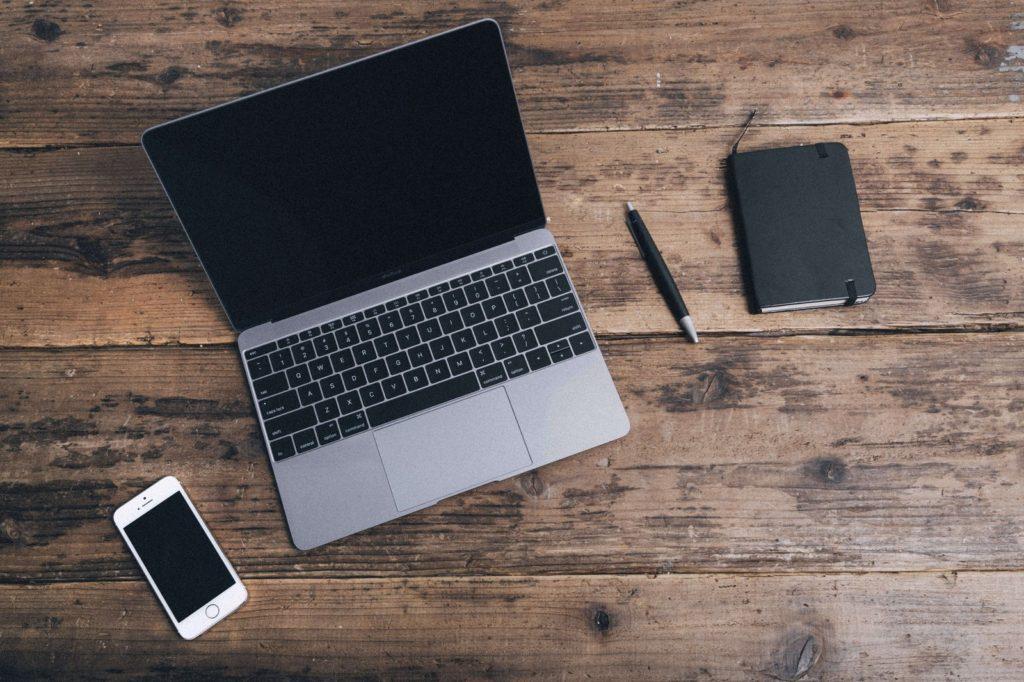 一人暮らしでおすすめのインターネットは、ズバリ「格安SIM大容量プラン&テザリング」です