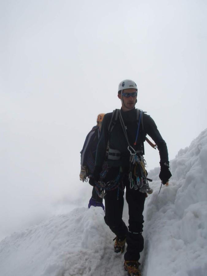 熟練の冬山経験者と同行したら、登頂可能です